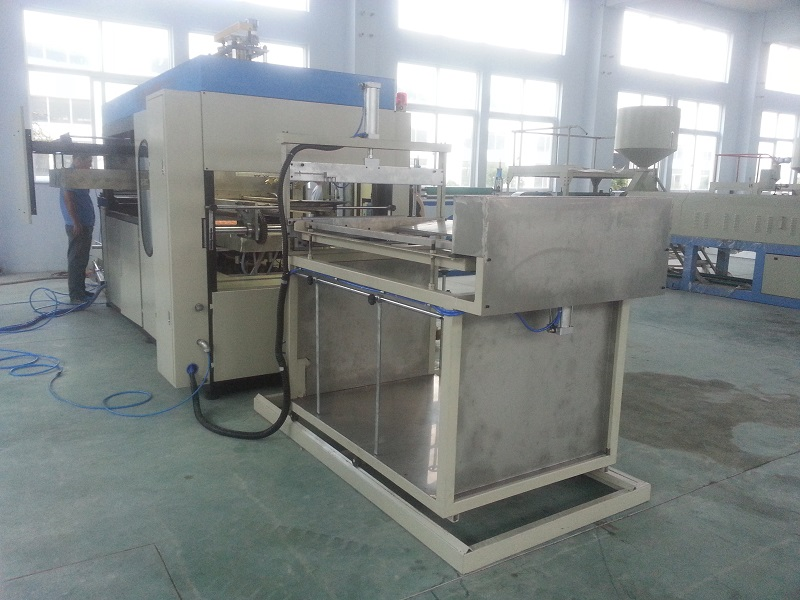 What Are The Several Benefits Of Using Vacuum Forming Machines