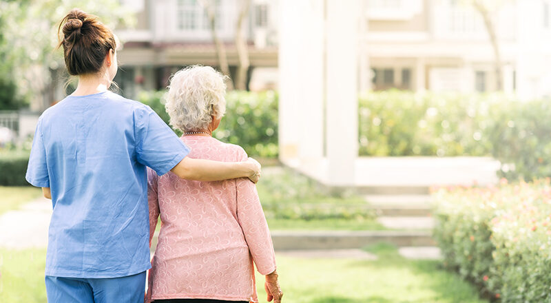 5 Tips To Consider When Selecting Home Care Services For Family Travel