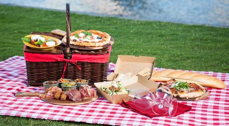 What Are The Strategies To Choose Items For A Picnic