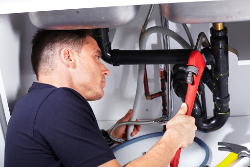 What are the few considerations before hiring a plumbing service?
